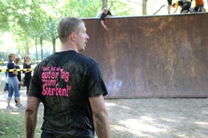 Dirty Coast Mud Run Kiel Steilwand Hindernis