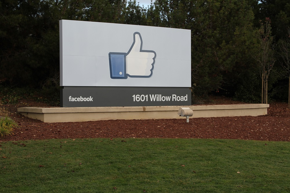 Facebook 1601 Willow Road